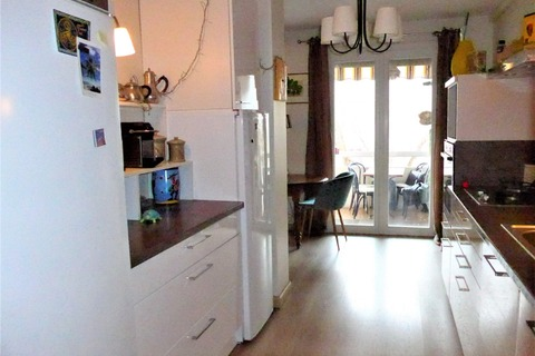 Vente APPARTEMENT comprenant 5 pieces 113m2