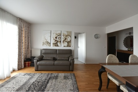 Location APPARTEMENT comprenant 2 pieces  51m2 à PARIS 15eme