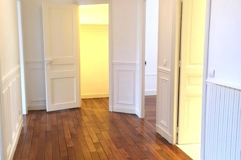Location APPARTEMENT  100m2