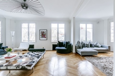 APPARTEMENT   comprenant 5 pieces 75017 PARIS 17eme