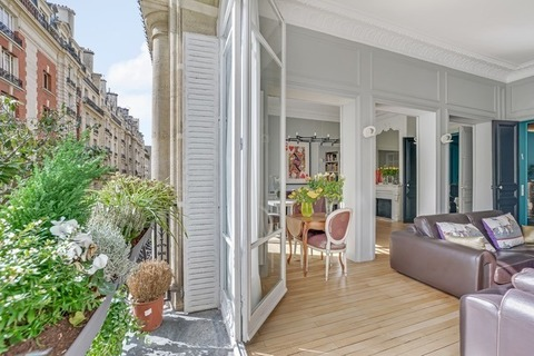 Vente APPARTEMENT comprenant 6 pieces  6 pieces à PARIS 16eme
