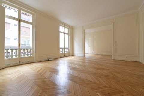 APPARTEMENT 2 chambres 168m2  à PARIS 8eme