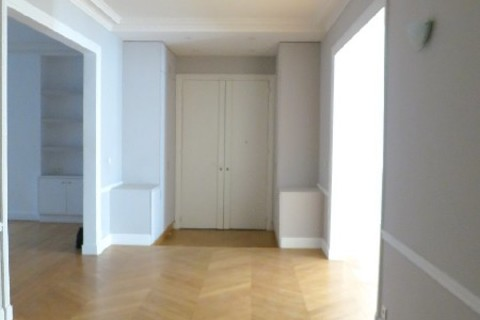 Location APPARTEMENT  210m2